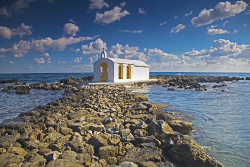 Igreja Branca na Ilha Grega de Creta