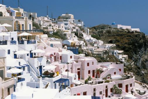 Casas Brancas e Rosadas na Ilha de Santorini, Grécia